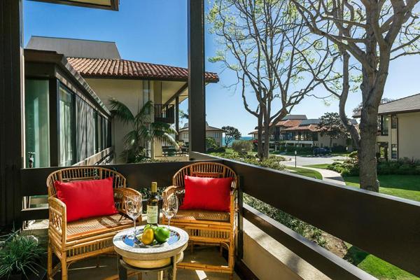 1388 Plaza Pacifica, a beautiful condo in Montecito Bonnymede