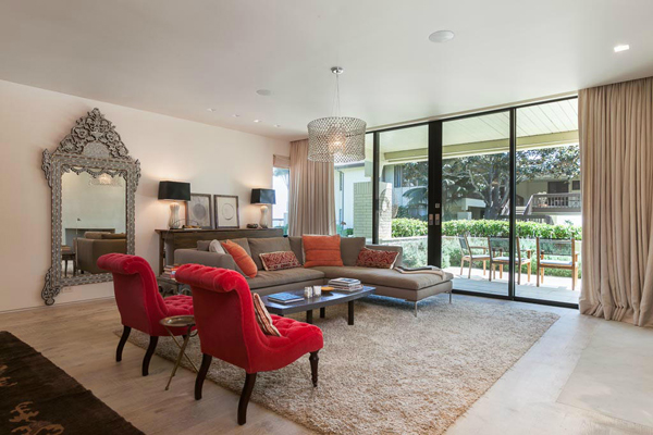 1350 Plaza Pacifica, a Bonnymede condo, Living room 2