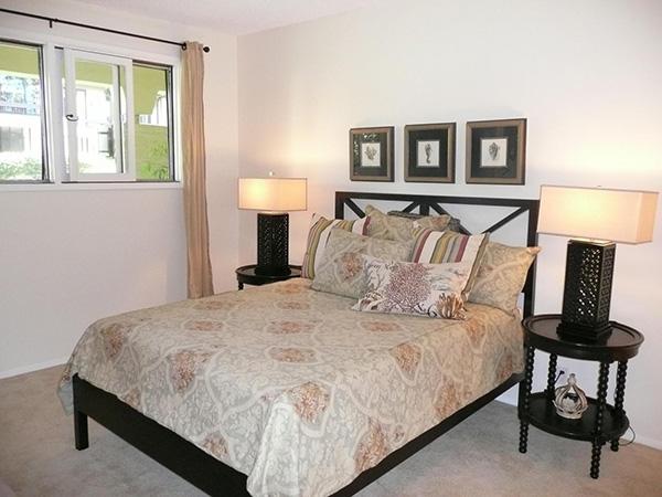 1359 Plaza Pacifica bedroom