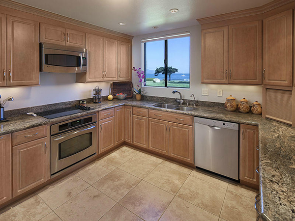 1 Seaview Drive kitchen