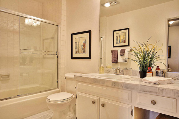5 Seaview Drive bathroom 2
