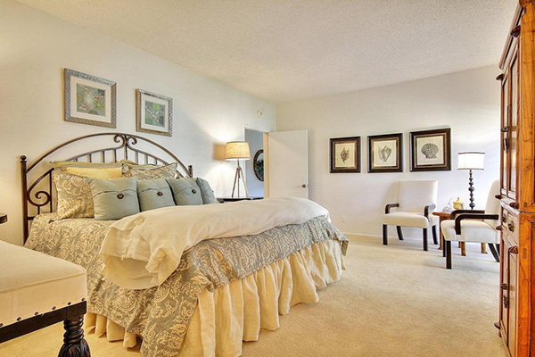 5 Seaview Drive master bedroom
