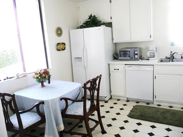 11 Seaview Drive kitchen