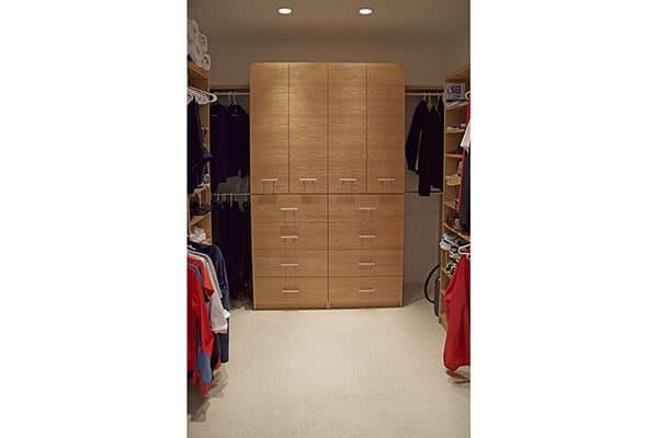 08_26 Seaview Drive master closet